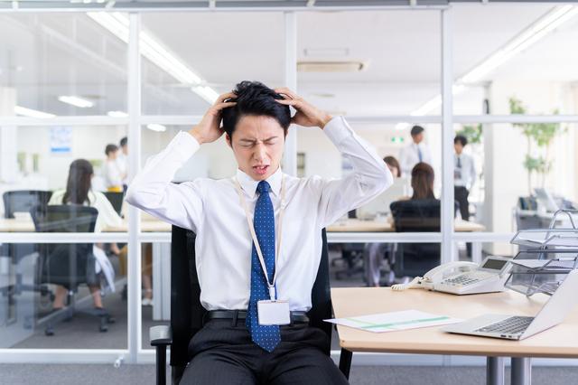 時間に追われるビジネスマンの行動や考え方